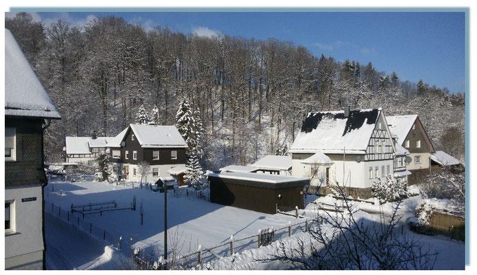 Ausblick aus dem Wohnzimmerfenster - der Winter hat auch seine schönen Seiten