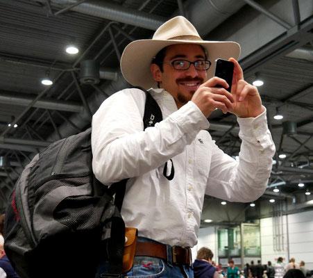 Howdy ! Dieser fröhliche Texaner macht ebenfalls ein Andenkenfoto von Easy