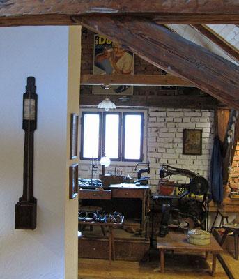 Altes Handwerk im Dachboden