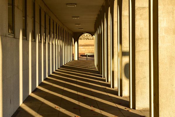 Säulengang am Schlossplatz