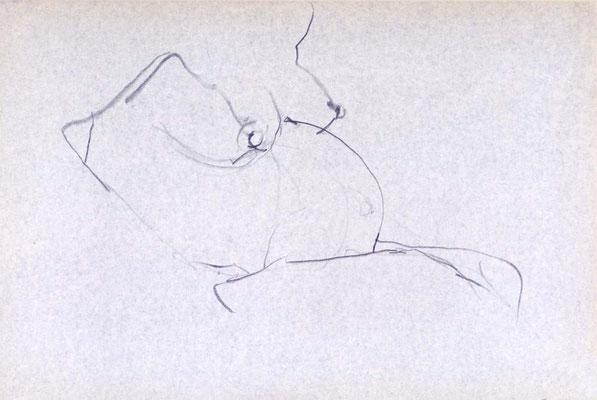 Frau, Mensch im Bauch, 25/37 cm, Bleistift auf Papier