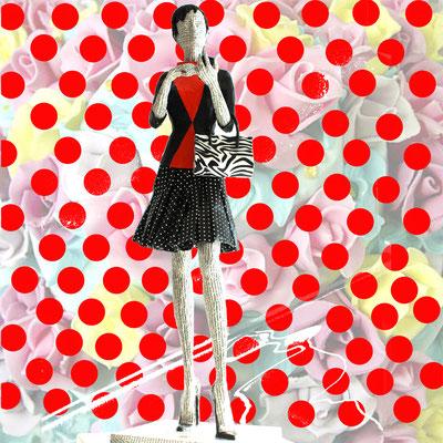 """""""rote Punkte/die erfolgreiche Galeristin"""" - Um sicher zu sein, dass auch ich ein paar rote Punke bei dieser Ausstellung haben werde, schuf ich mir als erstes dies Bild. (Marzipanrosen von Wencke Schmid, Basel)"""