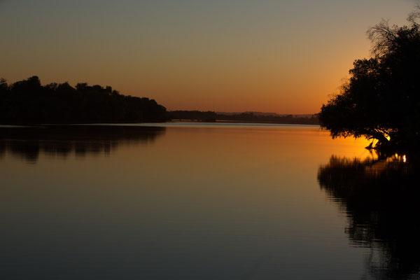 der Zambezi im Morgenlicht