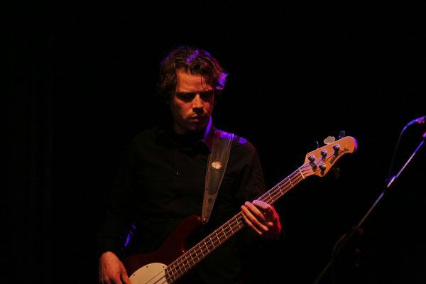 Maximilian von Wüllerstorff - Bass