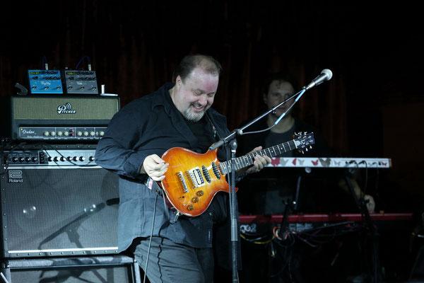 Steve Rothery von Marillion, hier bei einem Auftritt seiner Steve Rothery Band
