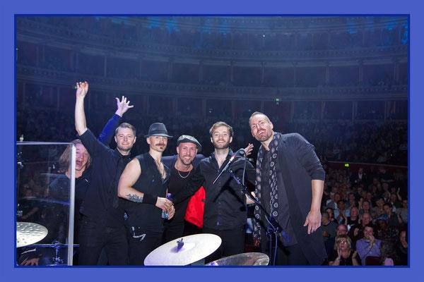 Simon, Pontus, Mikael, Petter, Sebastian, Johan                 after the show