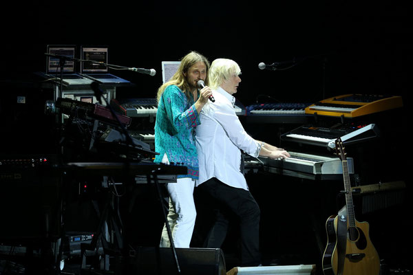 Jon Davison, Geoff Downes von YES