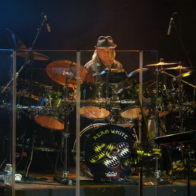 Alan White von YES