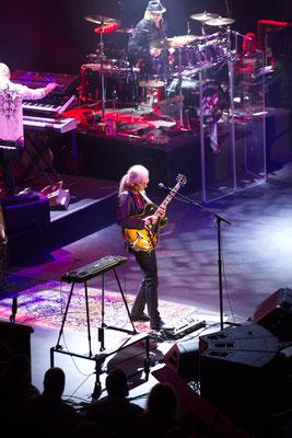 Steve Howe beim Solo