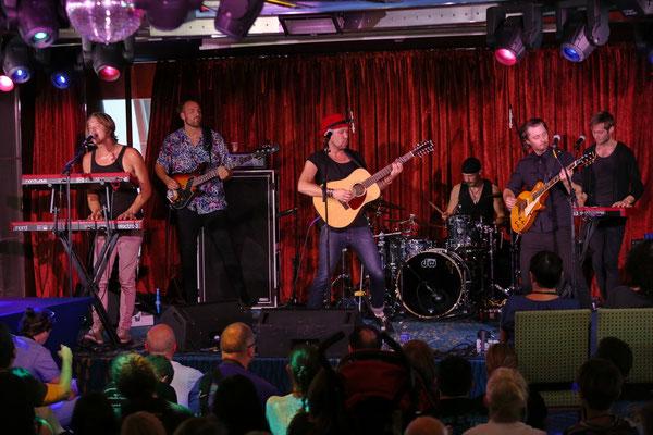 Moon Safari in der Spinnaker-Lounge, vlnr Simon Åkesson, Johan Westerlund, Petter Sandström, Michael Israelsson, Pontus Åkesson, Sebastian Åkesson