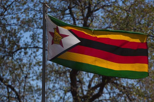 die Flagge Simbabwes