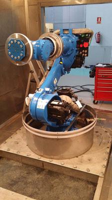 Housse de protection robot industriel yasakawa MH110 enceinte climatique -40 °C + 90 °C