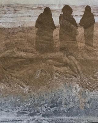 Omani Song Book, Videoinstallation, Projektion auf Sand, 13:18 min., Oman 2016 (Ausstellungsansicht Stal Gallery, Mucat, Oman, 2016)