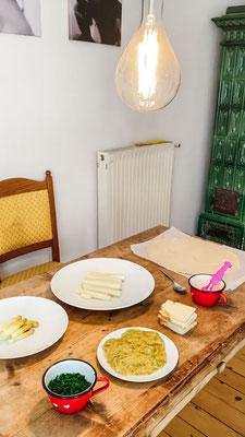 Kochrezept | Südtiroler Küche | Christoph Huber | Spargelstrudel mit Schnittlauch Hollondaise