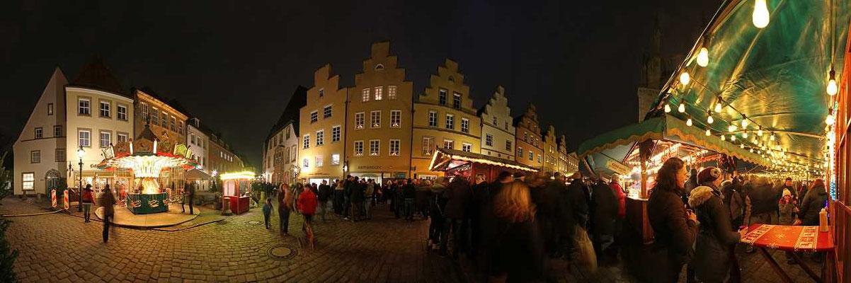 Osnabrück - Weihnachtsleuchten Markt vor dem Rathaus