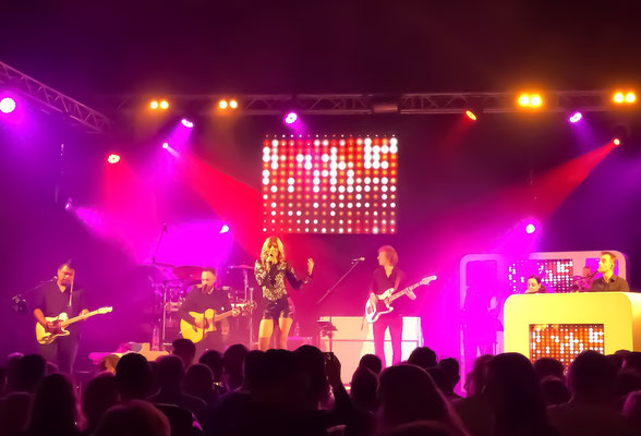 CARO Helene Fischer Double & Tribute Show mit Band in Leek
