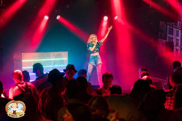 CARO Helene Fischer Double & Tribute Show in Sneek