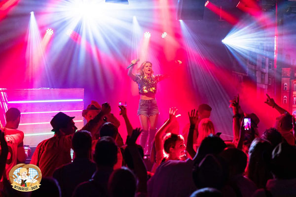 CARO Helene Fischer Double & Tribute Show in Sneek
