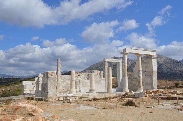 Dimitria-Tempel in den Feldern von Sangri