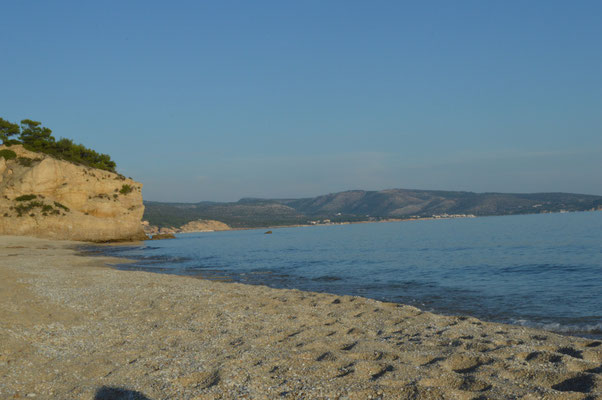 Am Strand von Tripiti