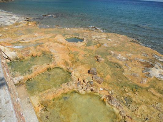 Die Badewannen von Loutra Edipsou