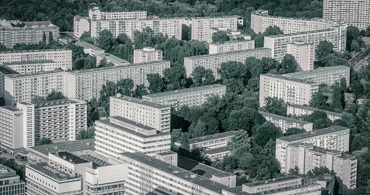 D7000  |  f/8  |  1/125s  |  ISO-100  |  70mm  |  Berlin (DE)