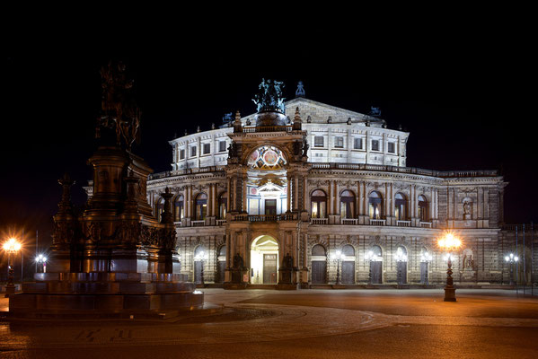 Semperoper by night