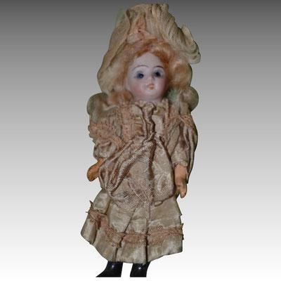 Petite poupée Allemande 1900
