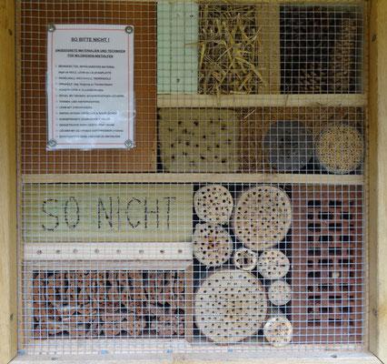 Beispiel für untaugliche Insektennisthilfen (Gerhard Schaad)
