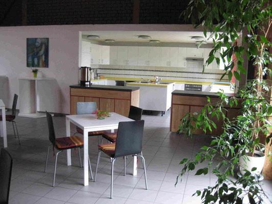 Foyer mit Küchenbereich