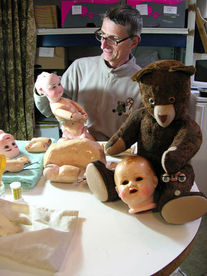 Eric Giovannini : Clinique pour poupées, poupons, baigneurs, ours et peluches