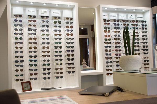 Brillenauswahl beim GlasHaus - dem optiker.