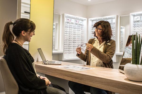 Kompetente Beratung durch unsere Augenoptiker beim GlasHaus.