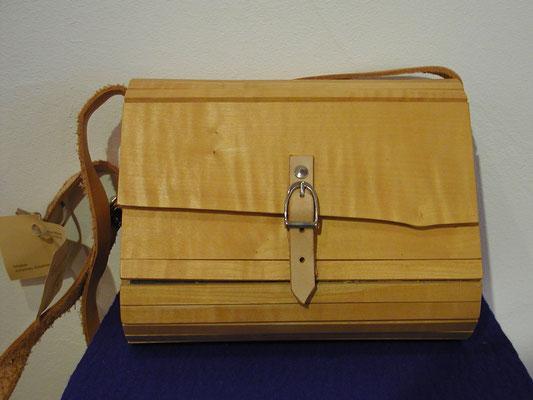 Handtasche aus Riegelahorn