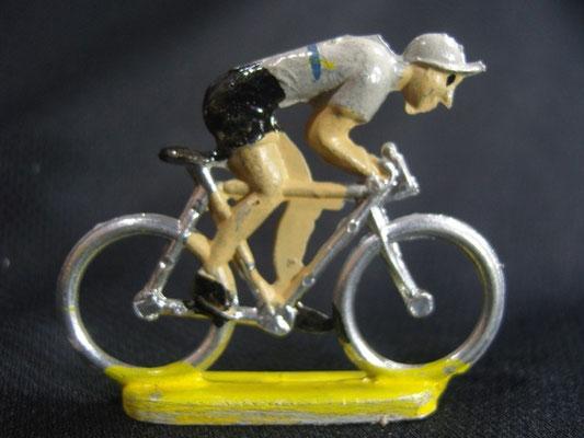 Cycliste en sprint Maillot gris avec bande Bleue jaune