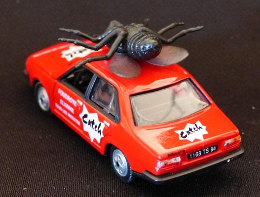 Renault 18 CATCH La mouche   Caravane Tour de France 1979