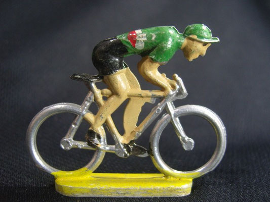 Cycliste en sprint Maillot vert 2 lignes Blanc et Rouge