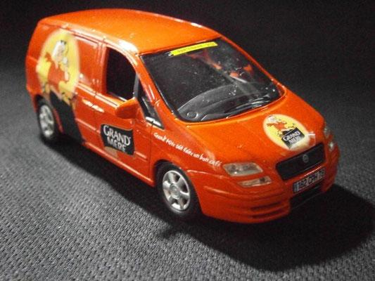 Fiat Ulysse Café Grand' Mère    Caravane Tour de France 2003