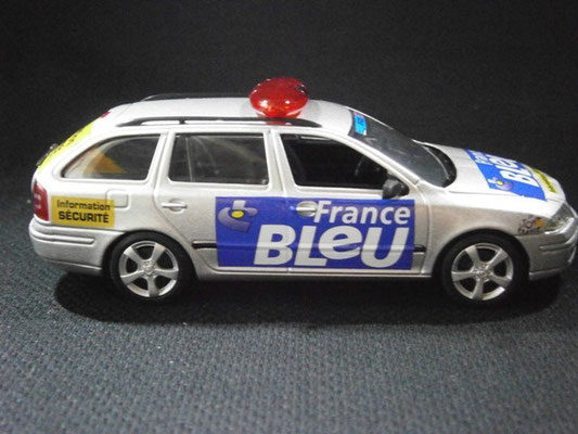 Skoda Octavia Combi France Bleu Sécurité  Tour de France 2005