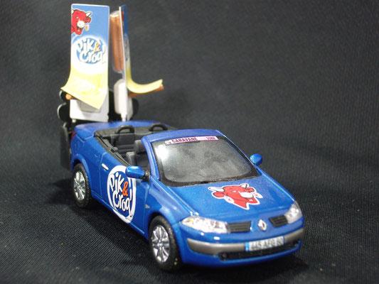 Renault Mégane Pic&Croq' La Vache qui rit            Caravane Tour de France 2004
