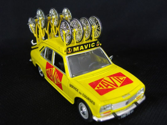 Peugeot 504 Assistance MAVIC                                             Tour de France