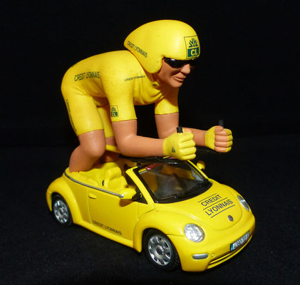 Volkswagen New Beetle Crédit Lyonnais Géant     Caravane Tour de France 2005