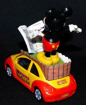 Volkswagen New Beetle JOURNAL DE MICKEY   Caravane Tour de France 2013