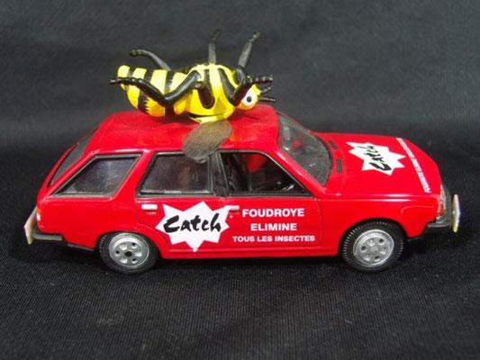 Renault 18 break CATCH Guèpe                                      Caravane Tour de France 1979