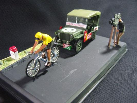 """Jeep Willys MB """"CINEMA ACTUALITES"""" Critérium du Dauphiné Libéré 1951"""