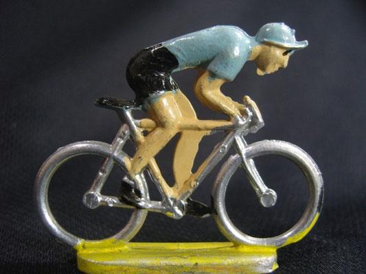 Cycliste en sprint Maillot Bleu clair (ou gris)