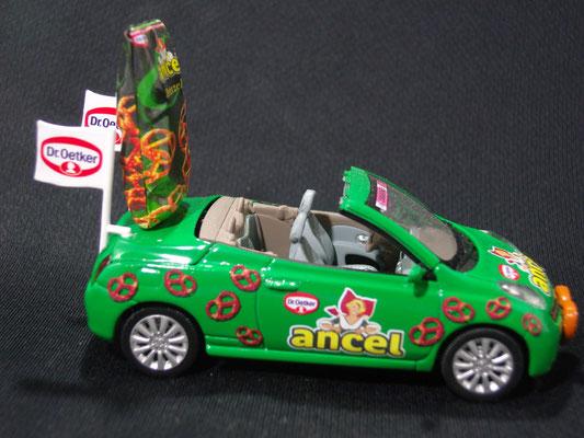 Nissan micra C+C Ancel                                                Caravane Tour de France 2006