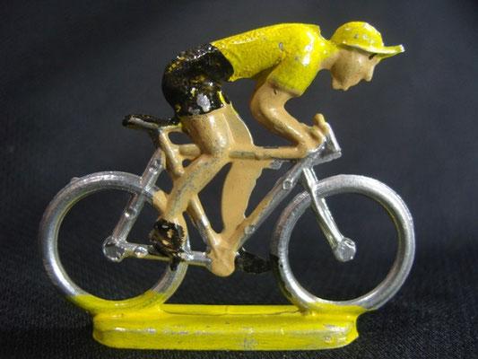 Cycliste en sprint Maillot Jaune