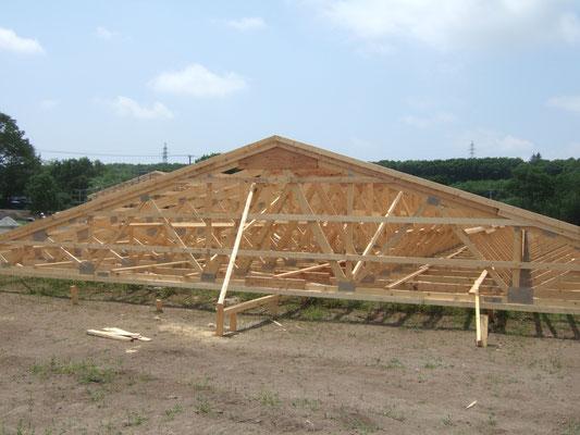 屋根の地組み完了のようです