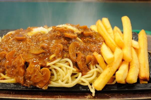 ラッキーピエロ スパゲティ&ポテト これで普通盛?!